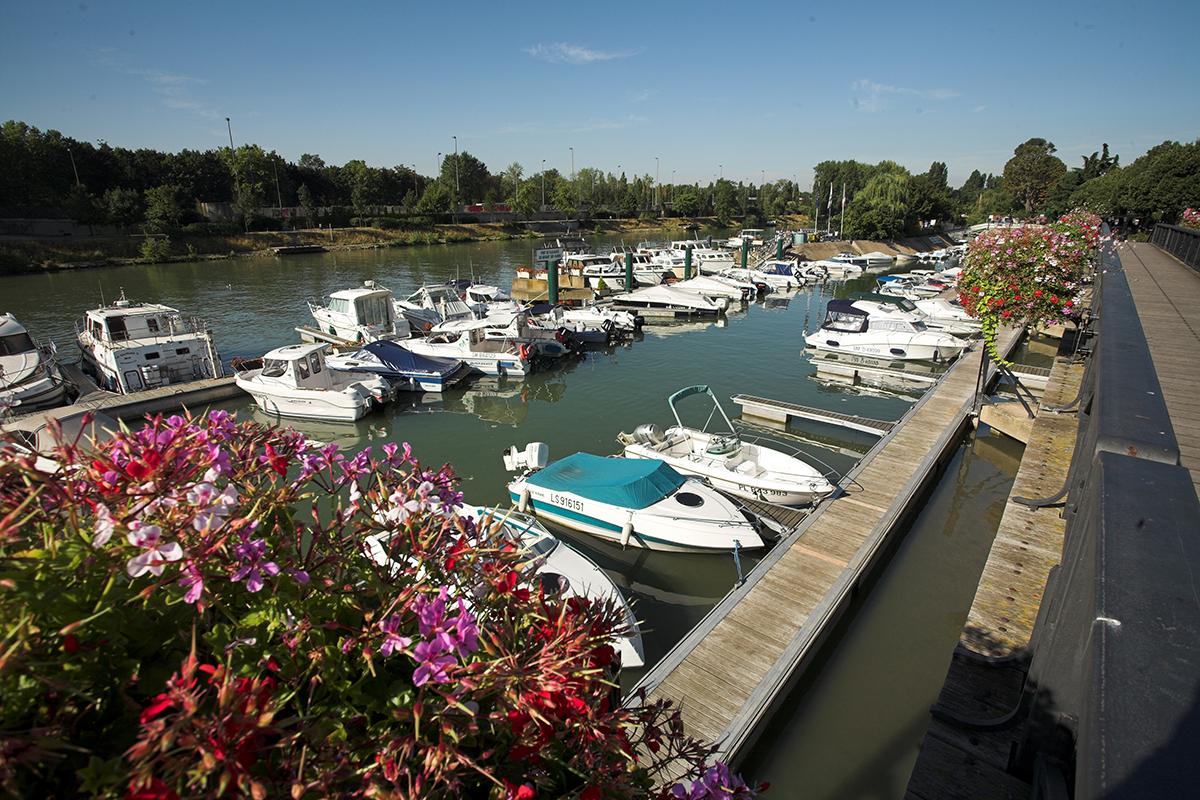 Le port de Nogent-sur-Marne en Val-de-Marne