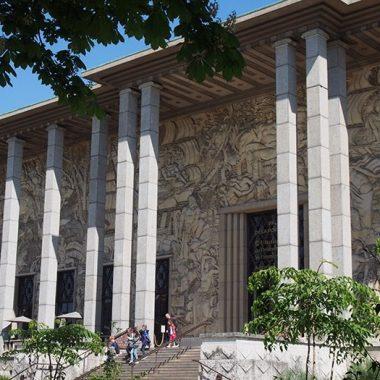 Visite du palais de la Porte Dorée