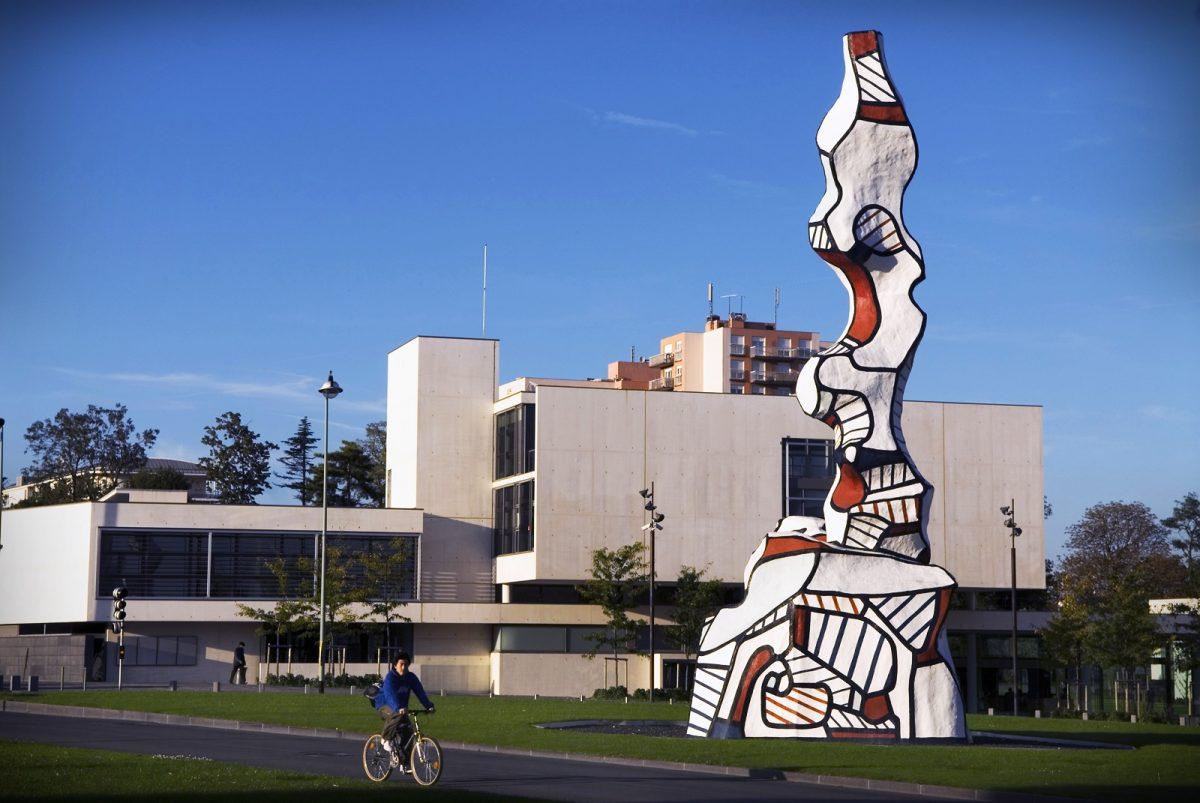 statue musee mac val vitry sur seine