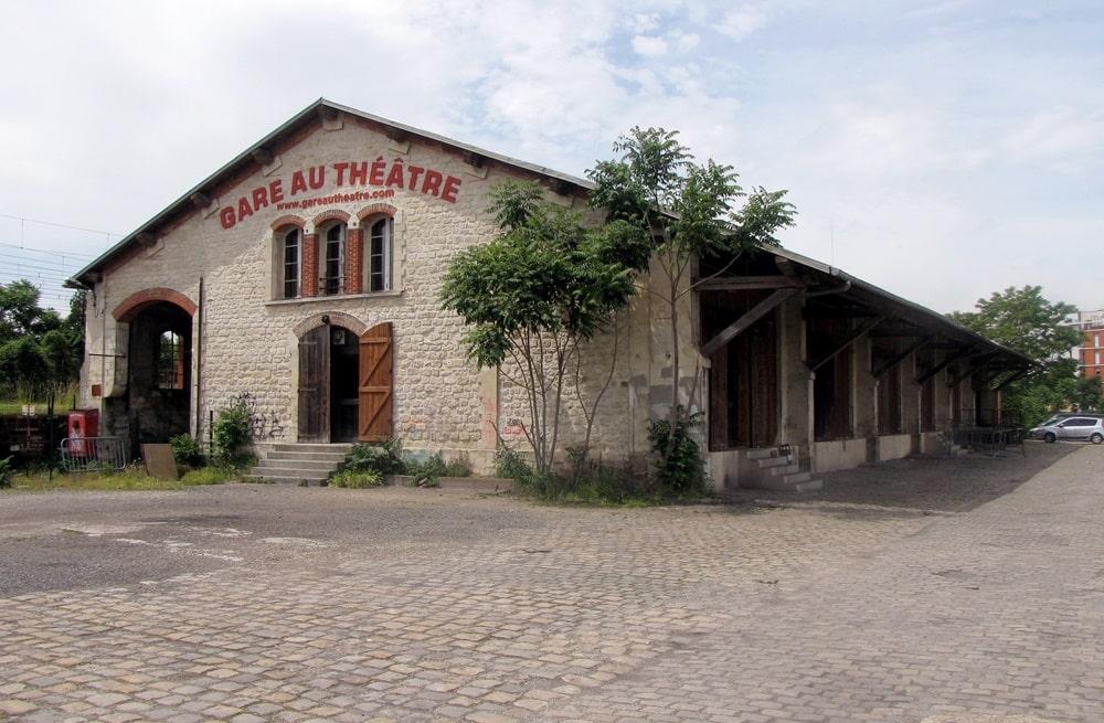 Gare-au-theatre-1-2