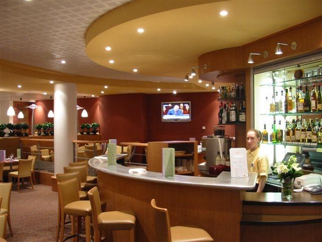 Novotel-Porte-d–Italie-Bar-01