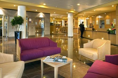 Novotel-Porte-d–Italie-Lobby-01