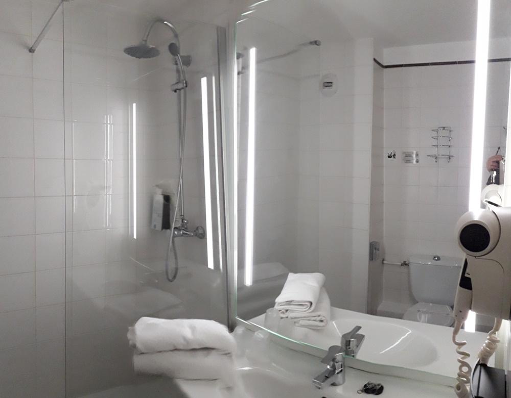 comfort-hotel-ivry-1