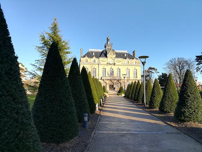 La façade de la mairie du Perreux-sur-Marne
