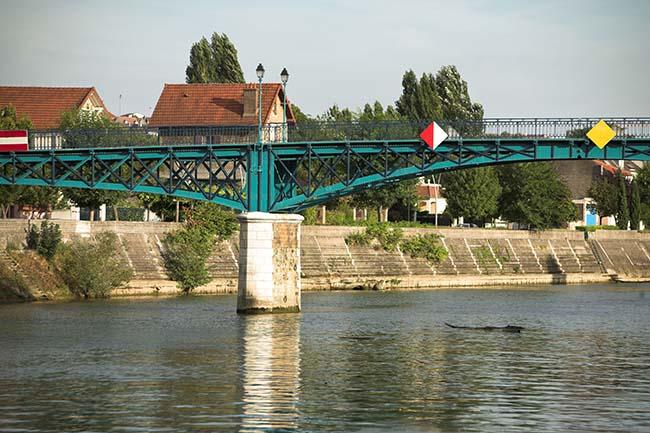 La passerelle de Bry-sur-Marne sur la Marne