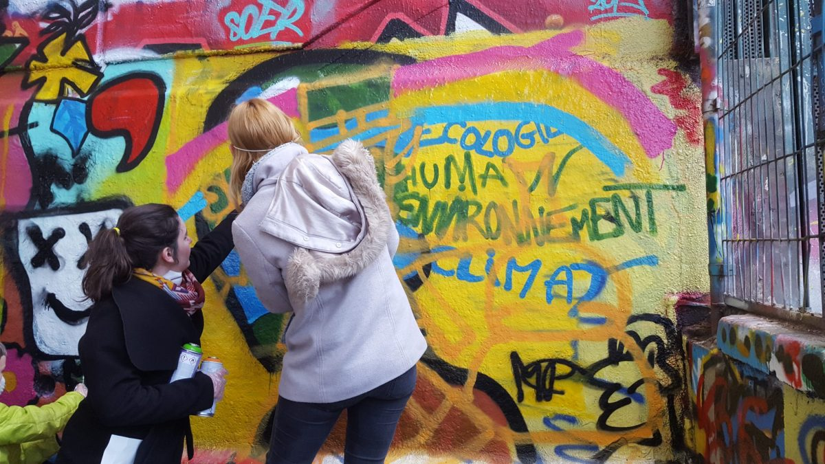 Ebauche de l'oeuvre street art lors de l'atelire graffiti