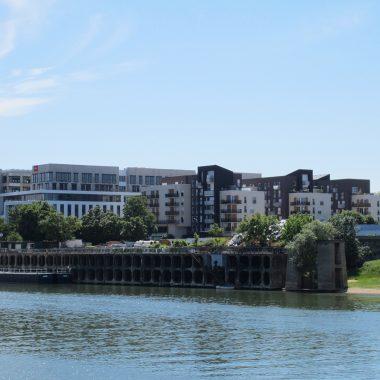 Hôtels et Hébergements en Bord de Seine