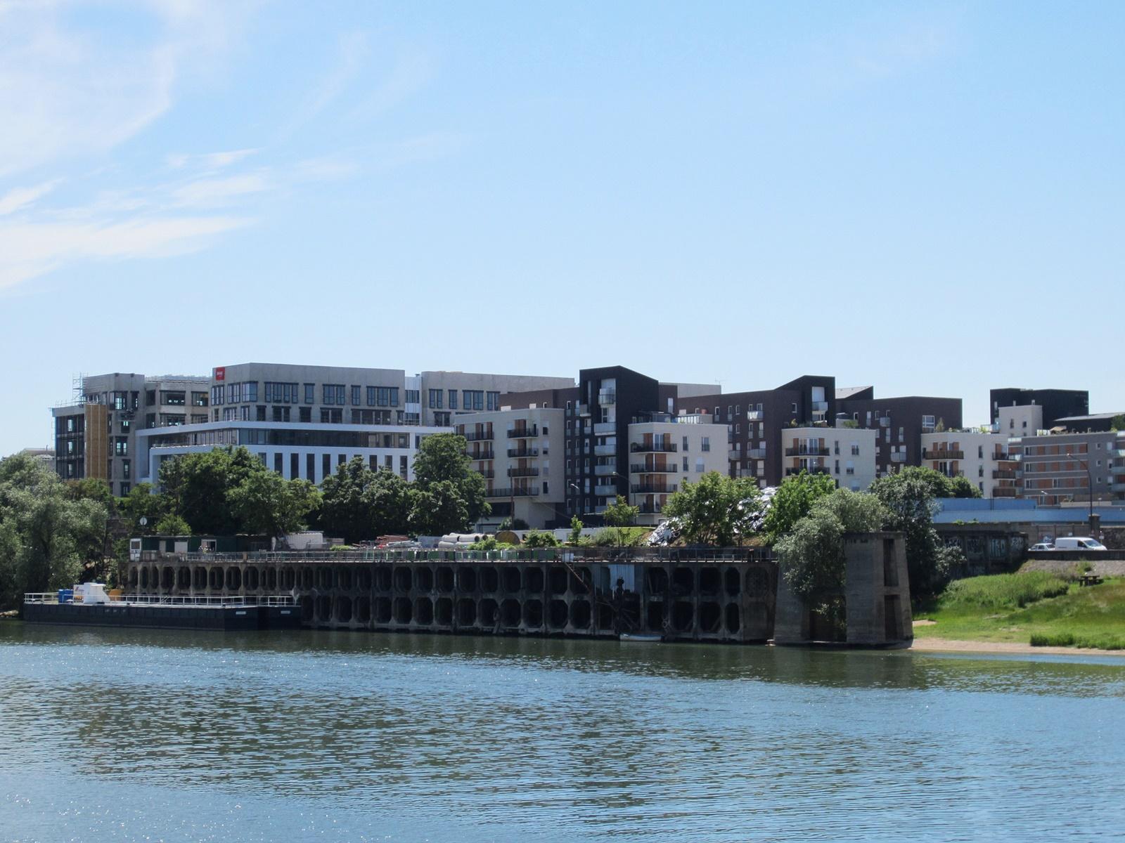 Hotel et Hébergement en Bord de Seine