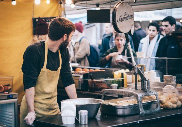 Food-truck sur un marché