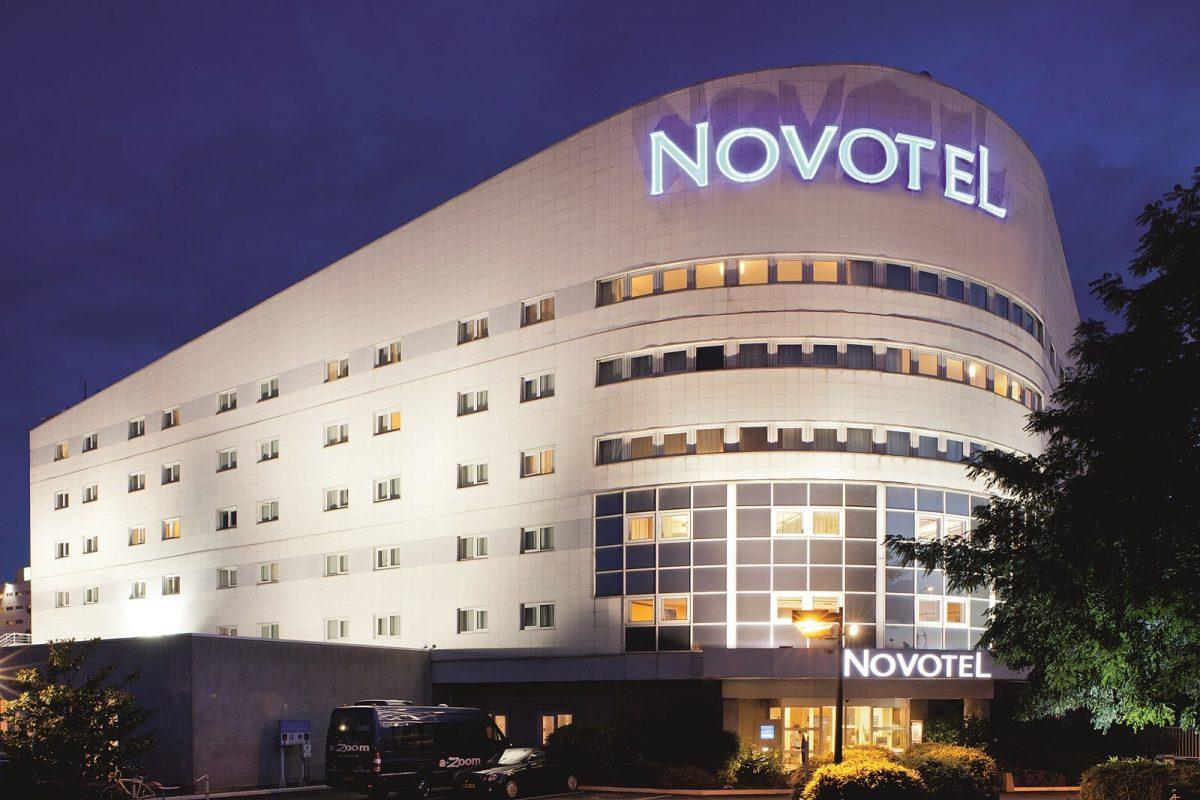 facade hotel novotel orly rungis