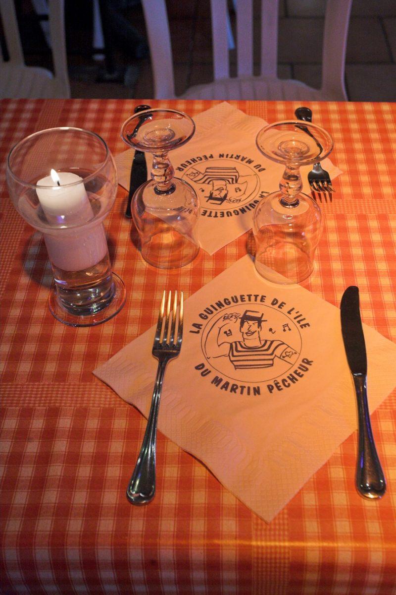 guinguette ile du martin pecheur table