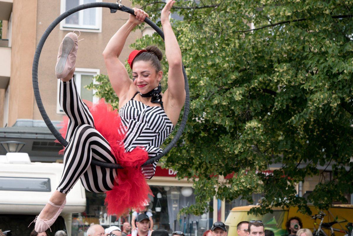 Spectacle de cirque dans la rue