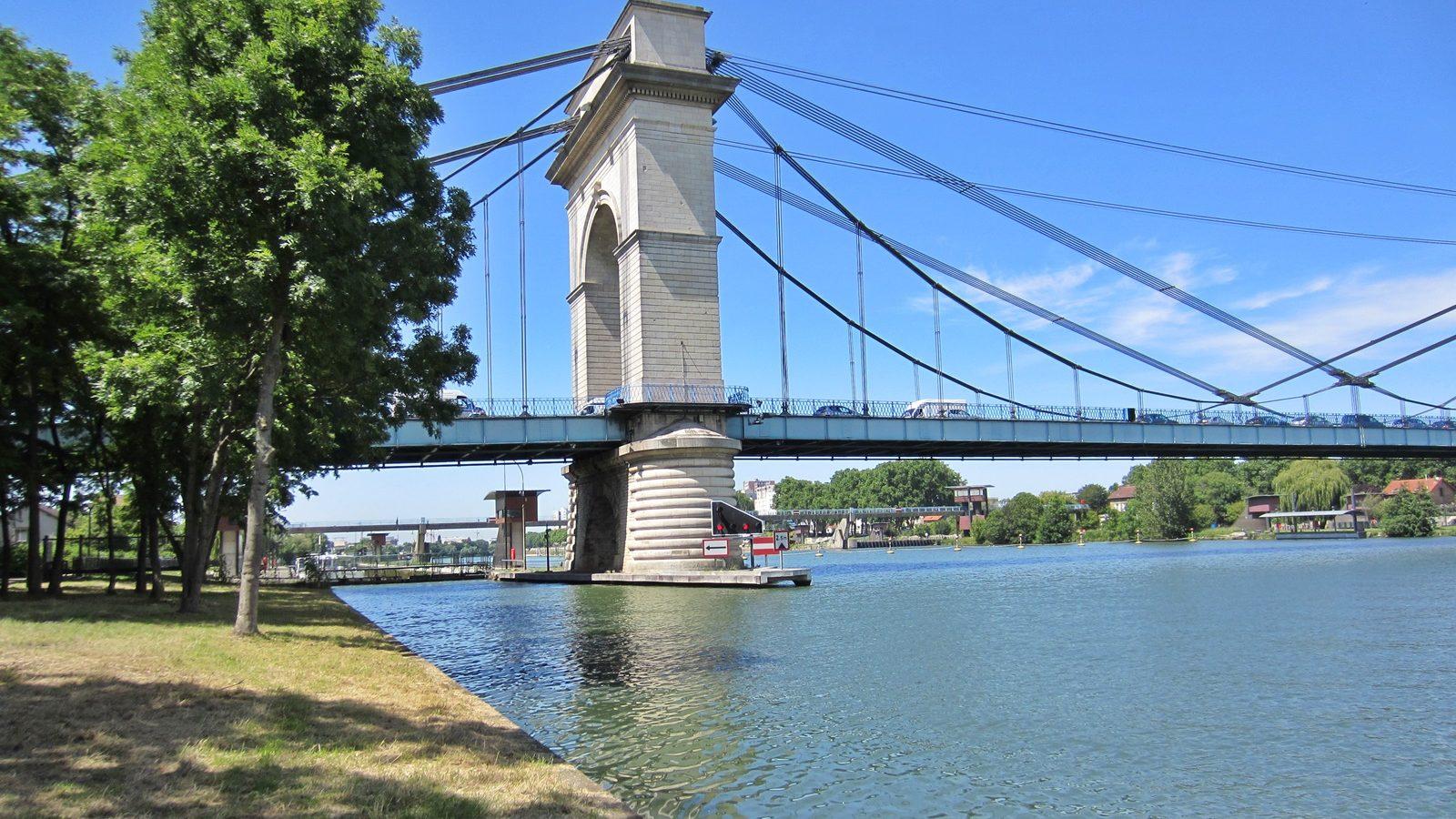 Bords de Seine Pont Anglais