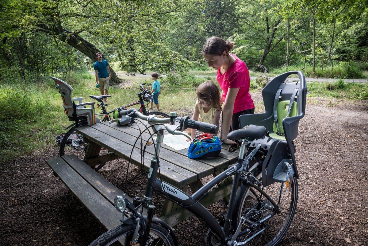 Randonnée à vélo au Bois de Vincennes ©CRT Paris Ile-de-France