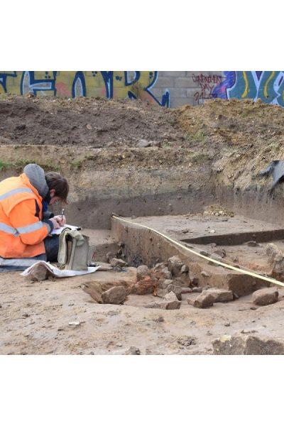 visite-chantier-archeologique-ardoines