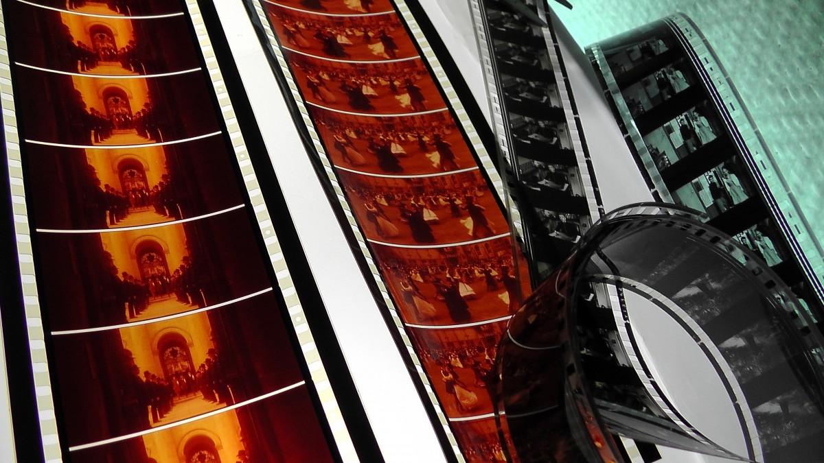 1200x675pixl-96dpi-sur-pxhere.com-film-70mm-cinema-projection-image-collection-coil-archive-807347
