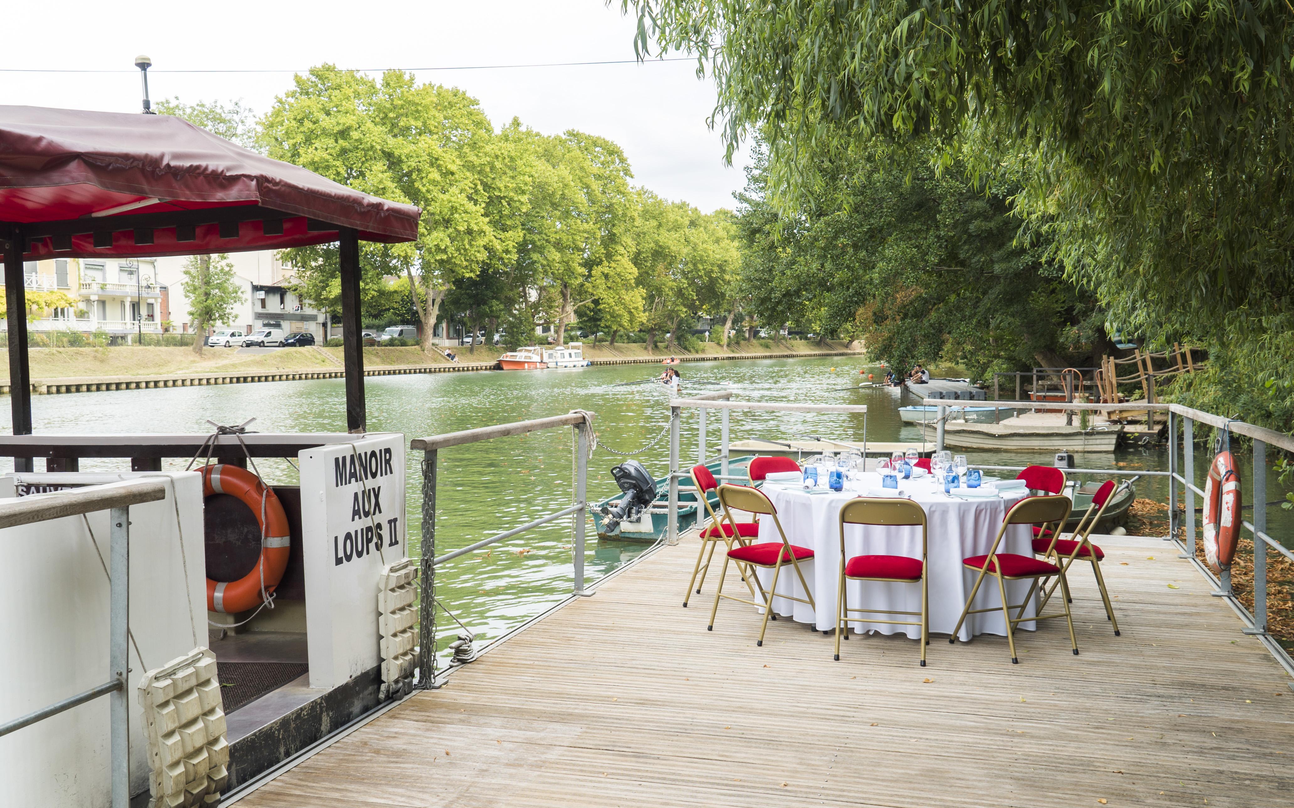 2-bateau-et-ponton
