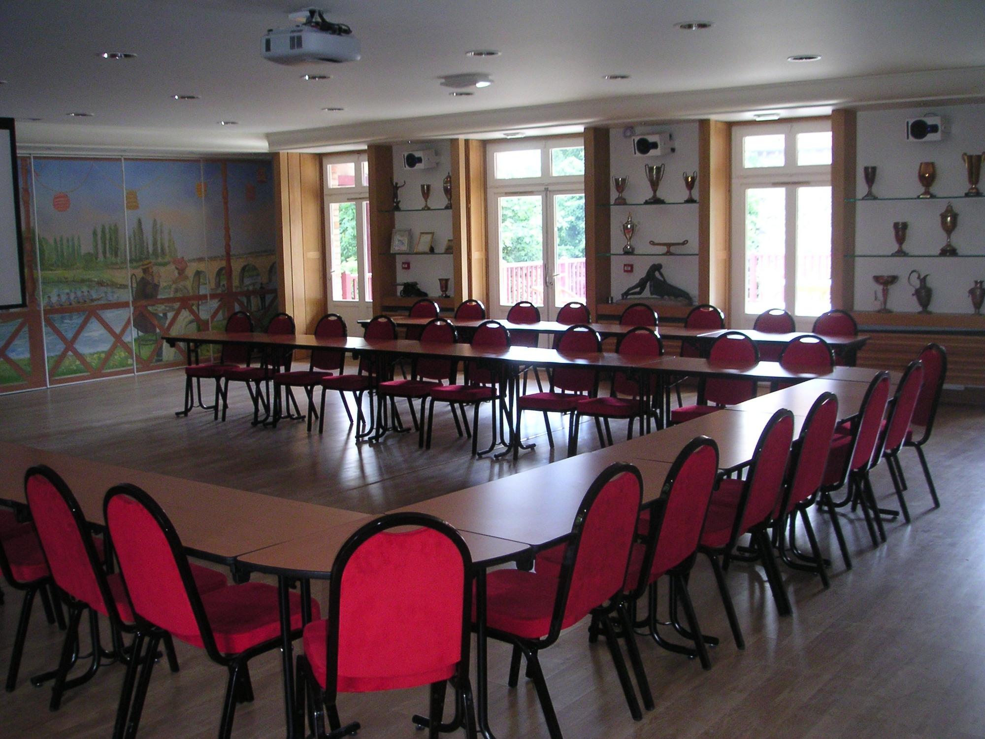 Aviron-MJ-interieur-salle-reunion-1
