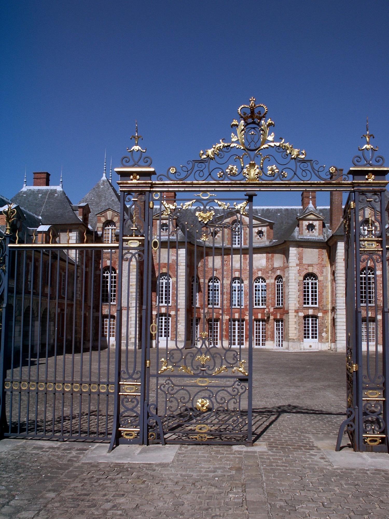 Chateau-Grosbois-01