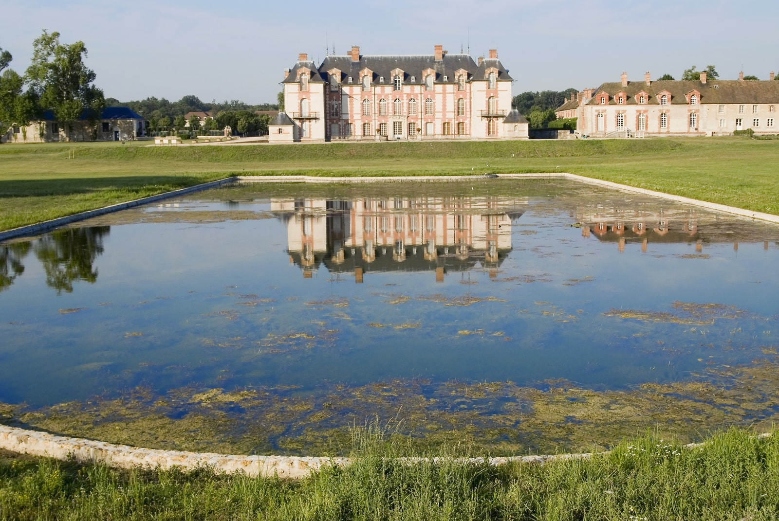Chateau-Grosbois-1