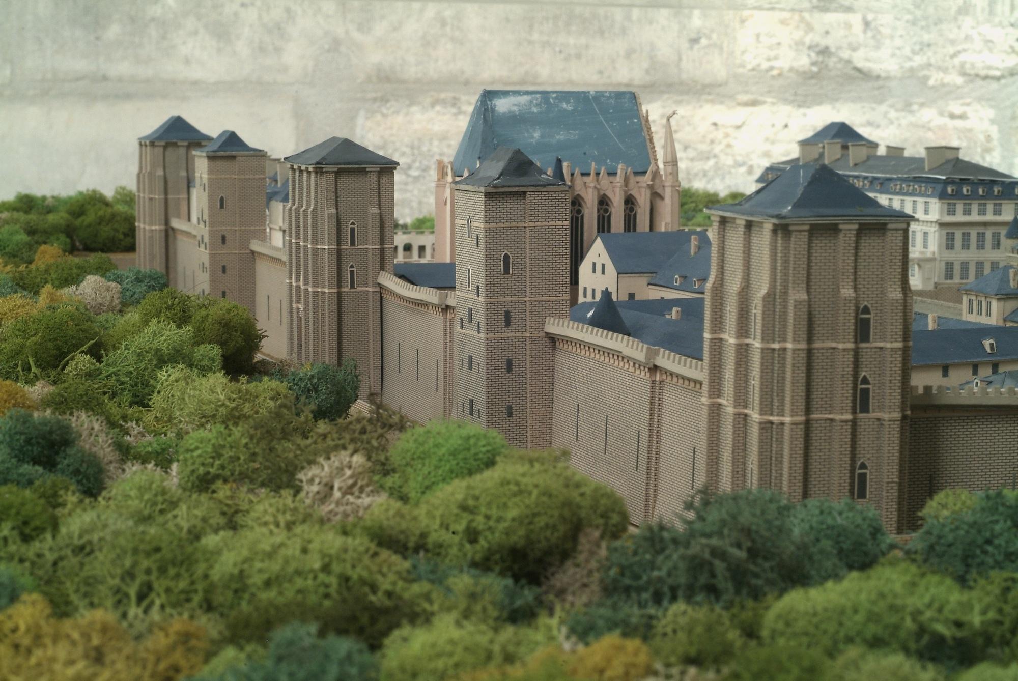 Chateau-Vincennes–97–01