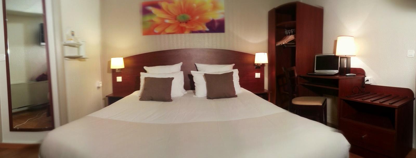 Comfort-hotel-Cachan-1