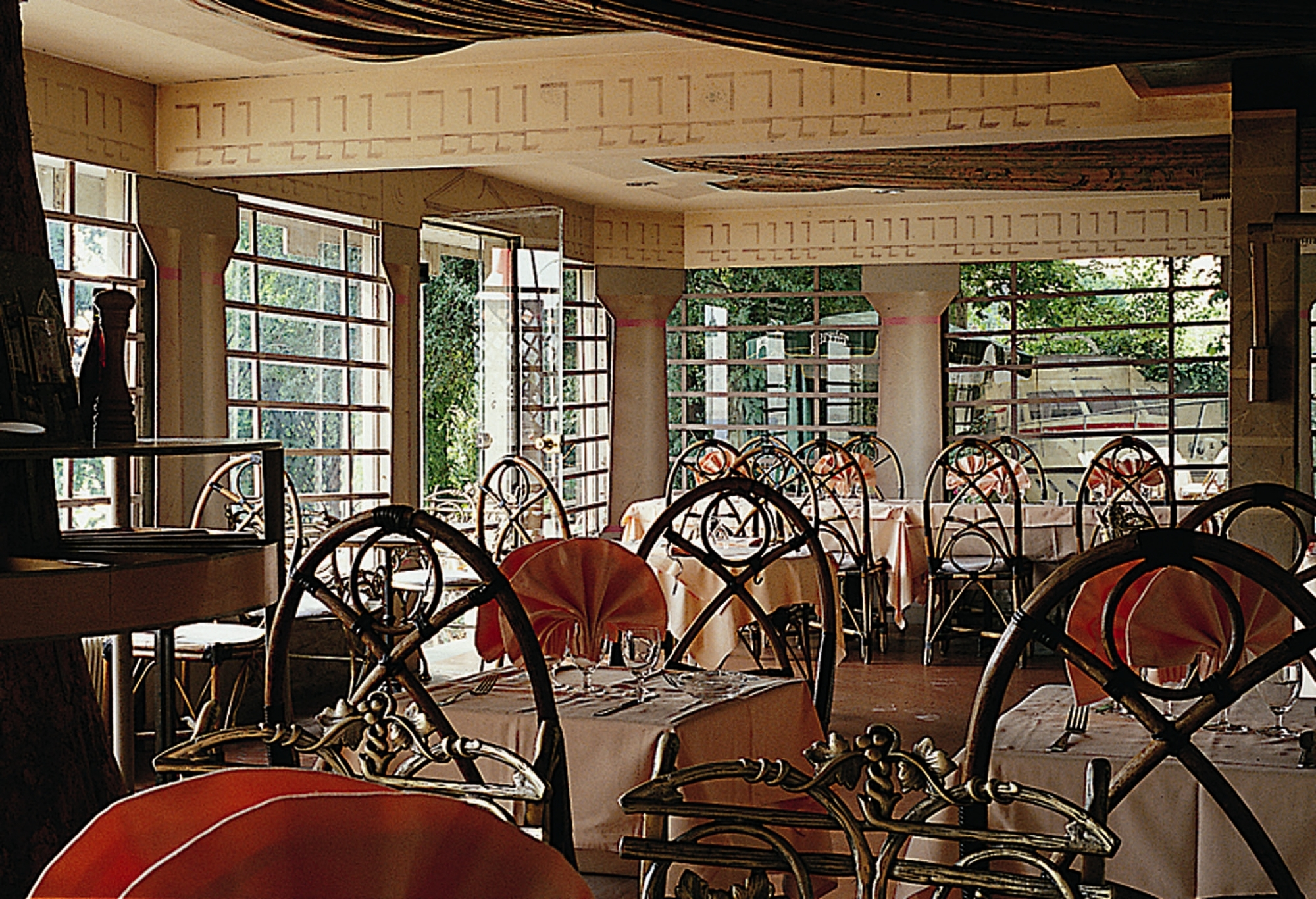 Domaine-Ste-Catherine-salle-de-restaurant