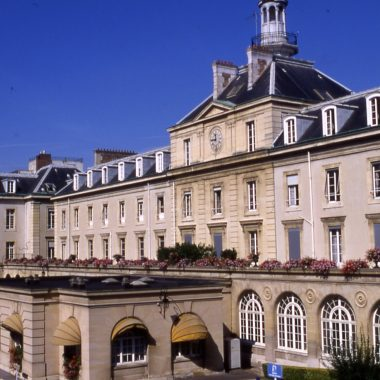 HÔPITAL MILITAIRE BEGIN