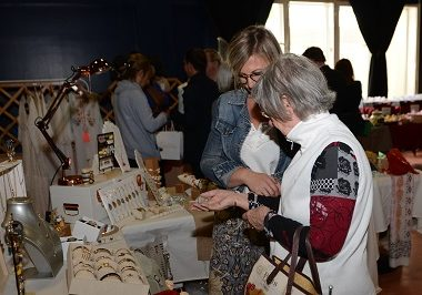 Marché artisanal «Ainsi font les mains» spécial Noël à Cachan