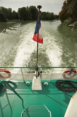 Paris-canal–1-