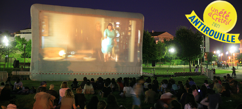 Une-ateliers-et-cinema-en-plein-air