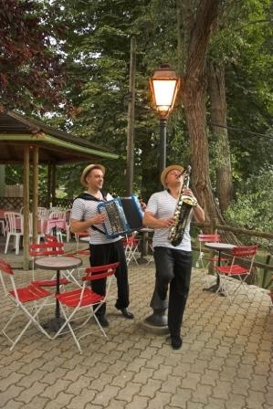accordeoniste-guinguette-martin-pecheur-champigny-sur-marne–33–3