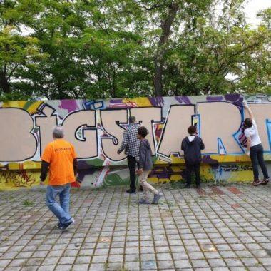 Un atelier d'initiation sur murs d'expression