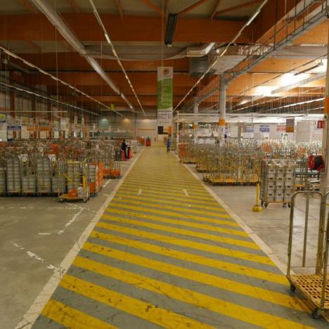 La Poste : Les coulisses du plus grand centre de tri postal de France