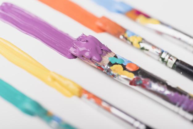 pinceaux-taches-peinture-23-2148002373