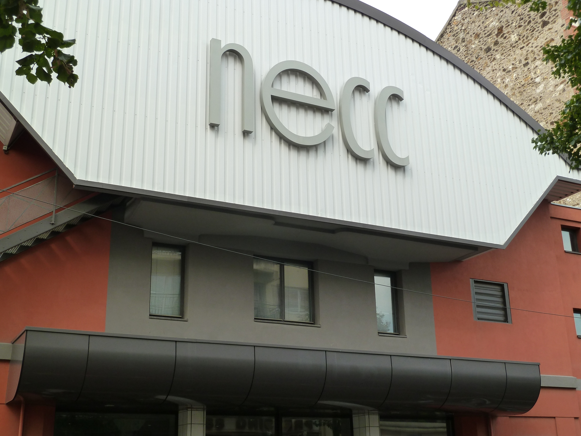 salle-necc-maisons-alfort-facade–1-