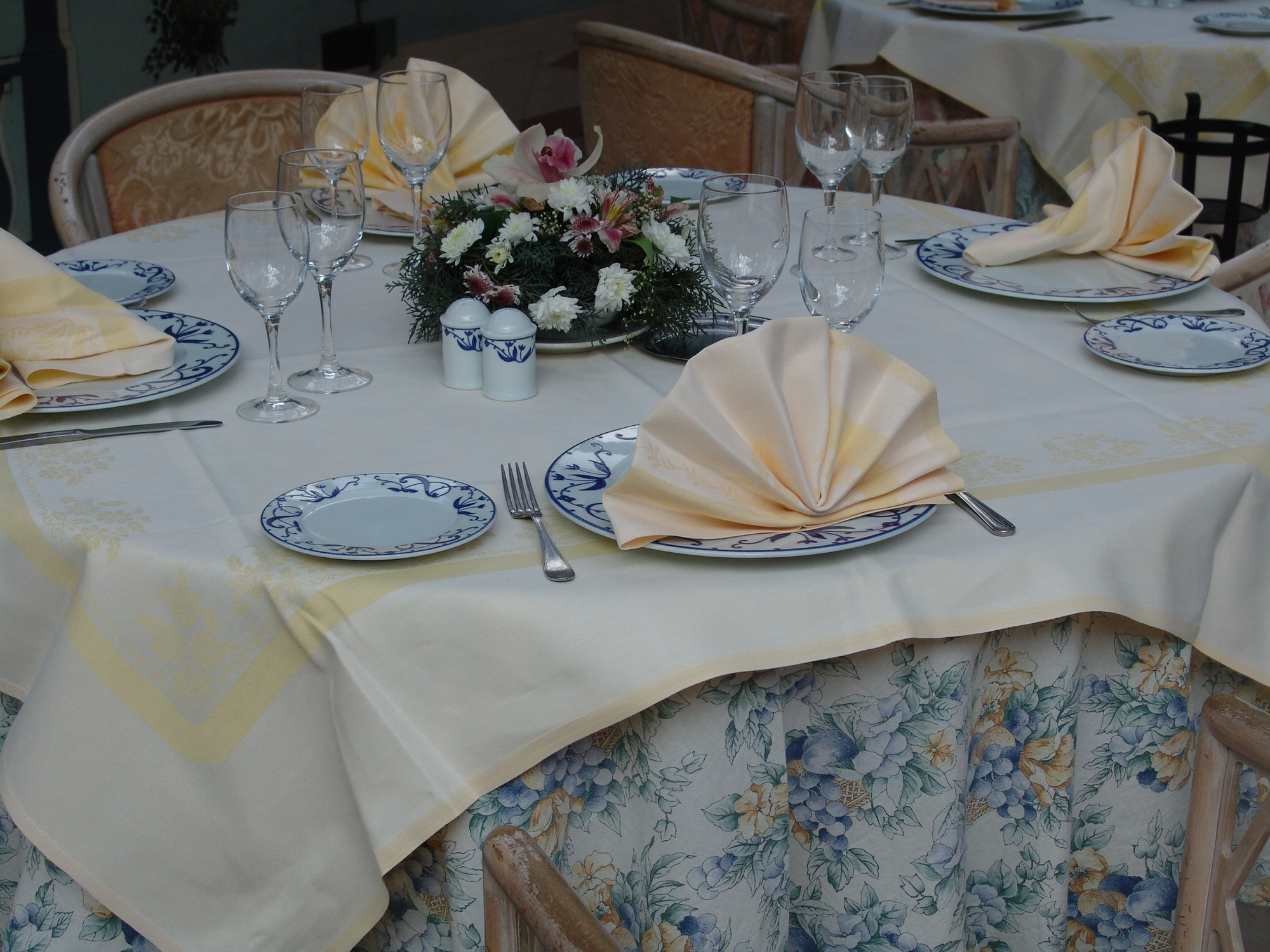 table-chateaudesiles-01